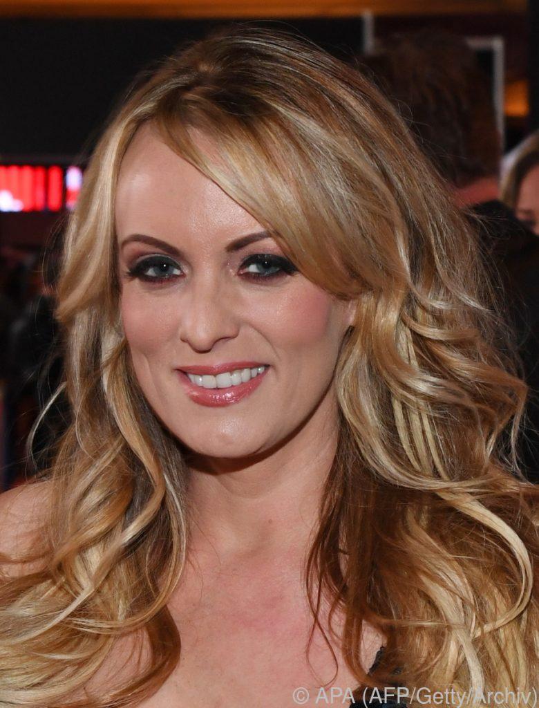Pornodarstellerin Stormy Daniels nach Affäre mit Donald Trump bedroht