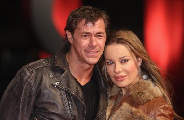 Die beiden Schauspieler Xenia Seeberg und Sven Martinek