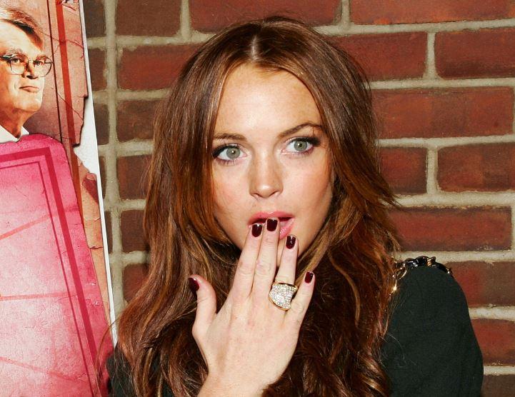 7 Dinge, an die Frauen denken, während sie sich die Nägel lackieren