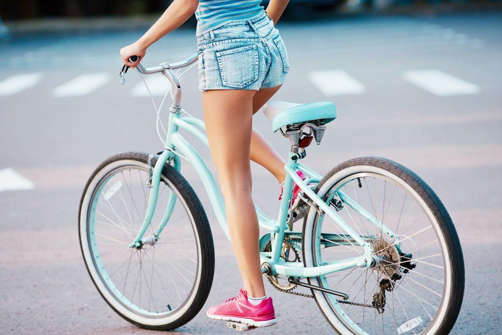 Mit diesen 3 einfachen Schritten machst du deine Beine fit für den Frühling