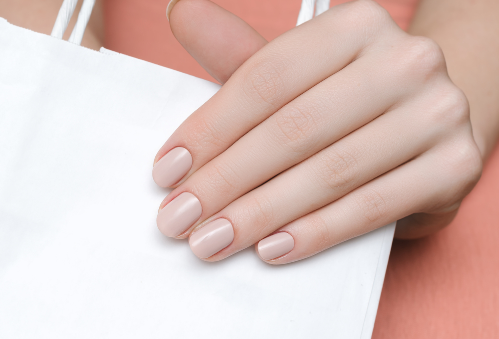 Russian Manicure: So gefährlich ist der Nagel-Trend