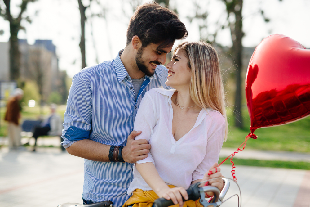 Wie man die Datierung eines verheirateten Mannes, mit dem Sie arbeiten, aufhört