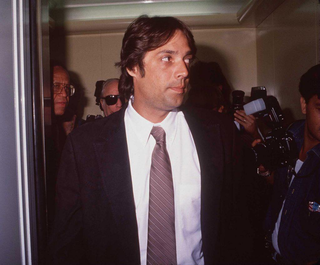 """Christian Brando: Der Sohn von Marlon Brando (""""Der Pate"""") tötete 1990 den Freund seiner Schwester Chayenne, da dieser sie misshandelt haben soll. Er wurde zu 10 Jahren Haft verurteilt, von denen er jedoch nur 5 Jahre absitzen musste. Vor genau 10 Jahren starb er an einer Lungenentzündung."""