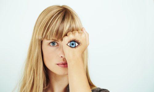 Augenzucken: Die häufigsten Ursachen und was dagegen hilft