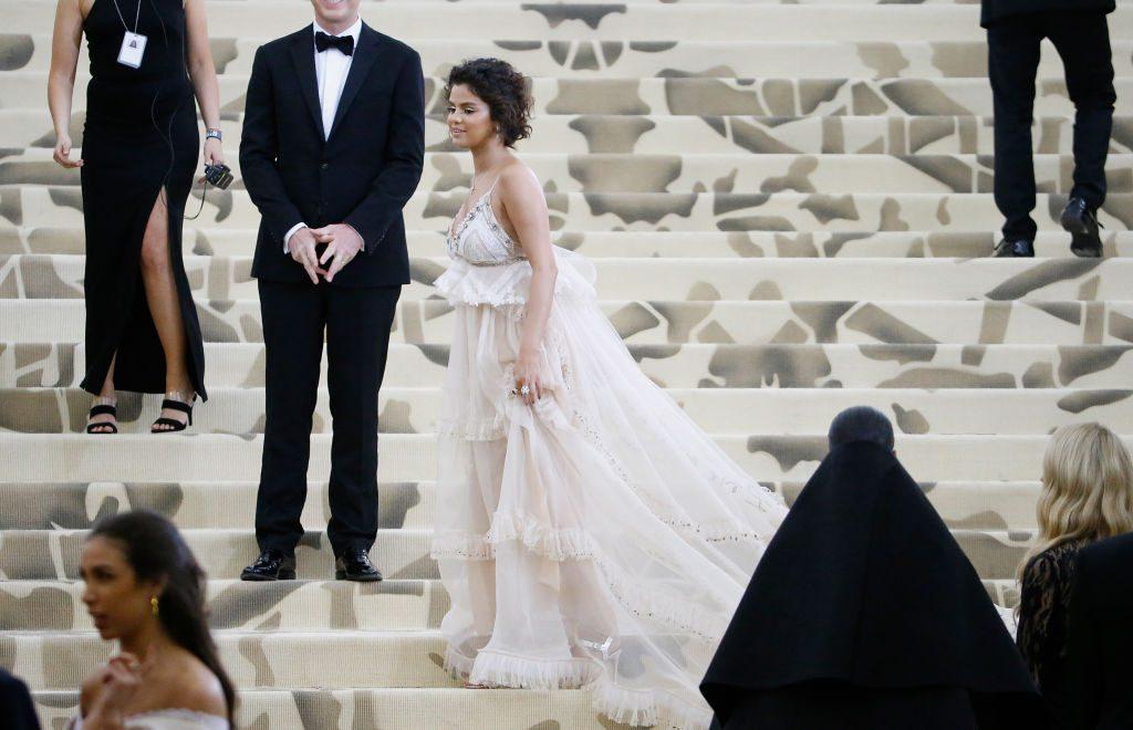 Selena Gomez: Alle lachen über ihren Auftritt bei der Met Gala
