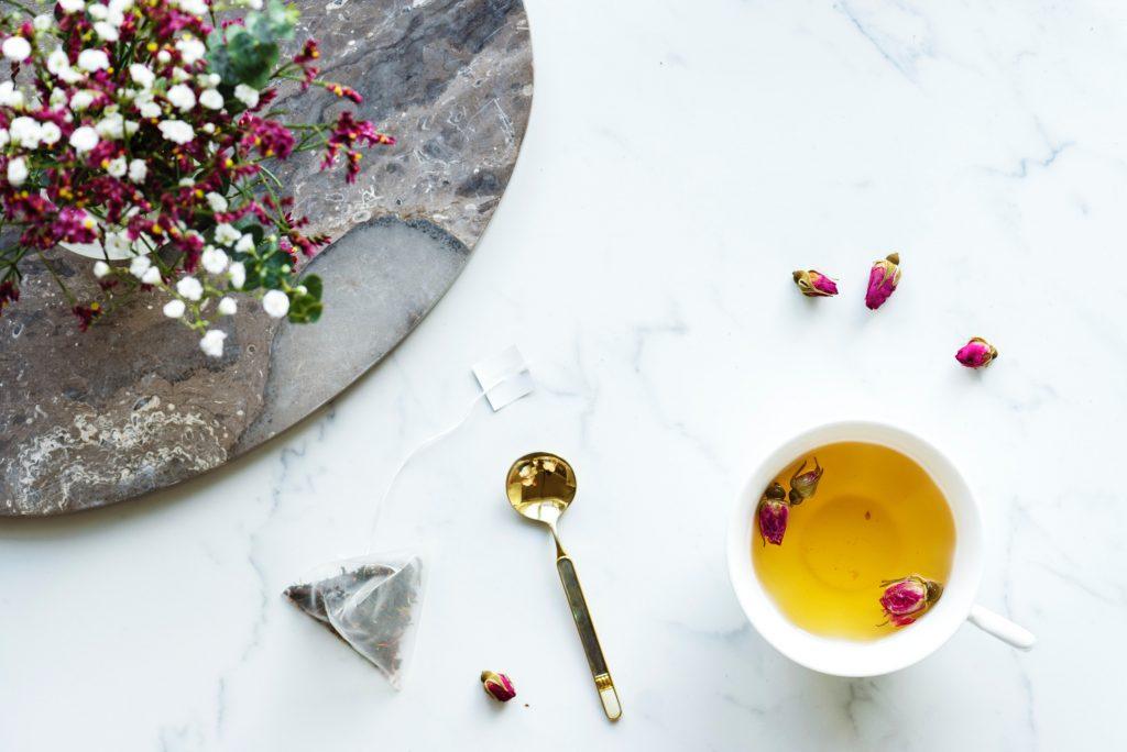 5 Gründe, warum wir alle mehr Tee trinken sollten