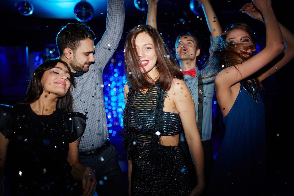 Weshalb du diesen Sommer viel mehr tanzen solltest