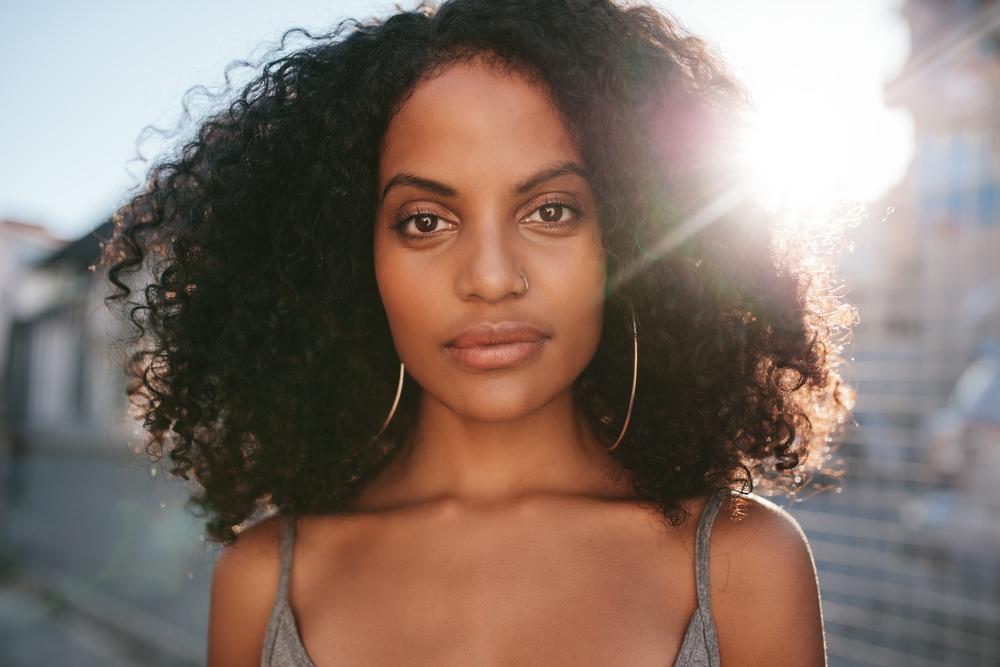 Haarschnitt für Locken: Das sind die Frisuren-Trends 2018