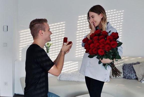 Bibi Heinicke hat sich verlobt