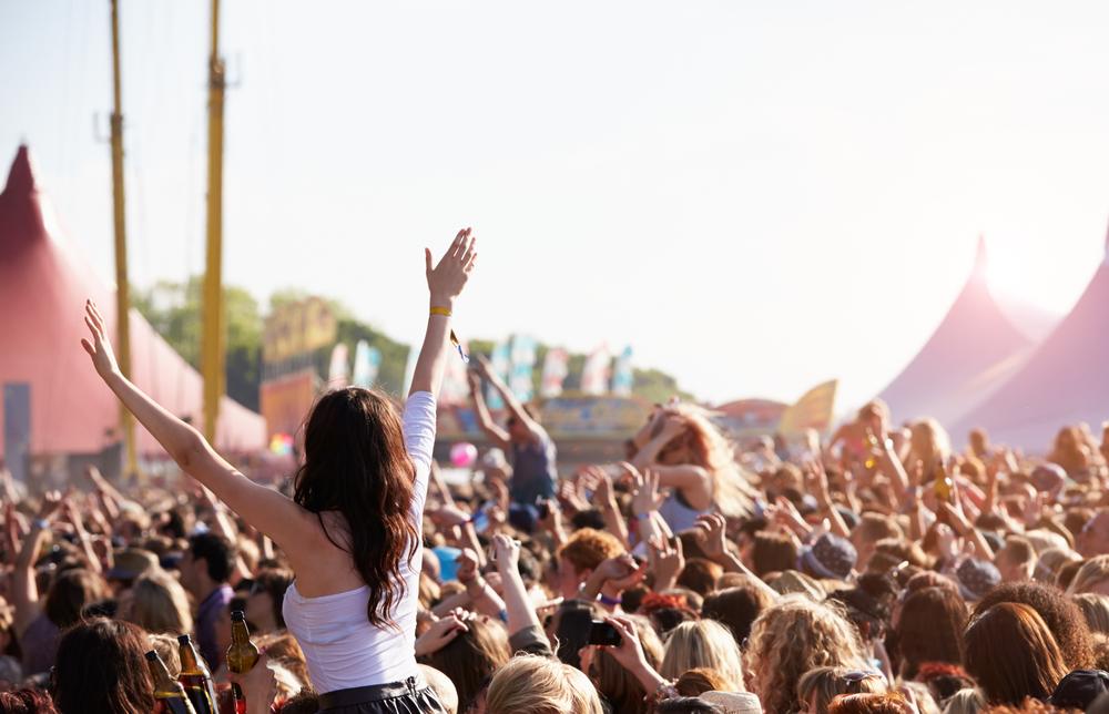 10 Dinge, die wir garantiert nur auf Festivals machen
