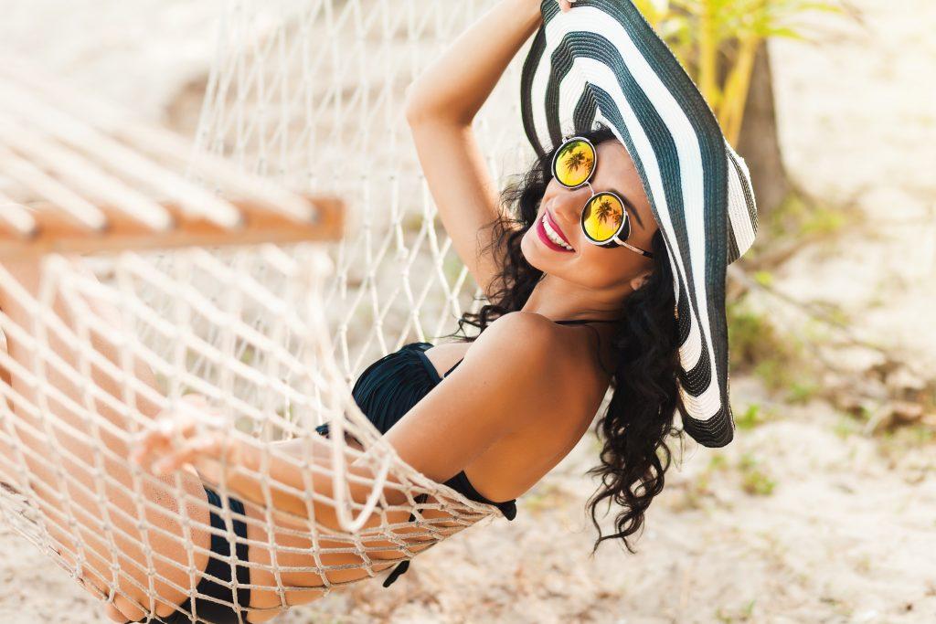 Wenn du diese 5 Dinge in den Urlaub mitnimmst bist du eine echte Fashionista