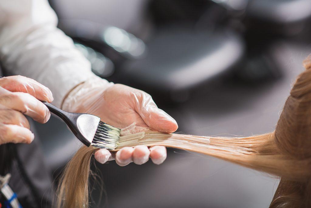 Blonde Haare färben: Der richtige Farbton für jeden Typ
