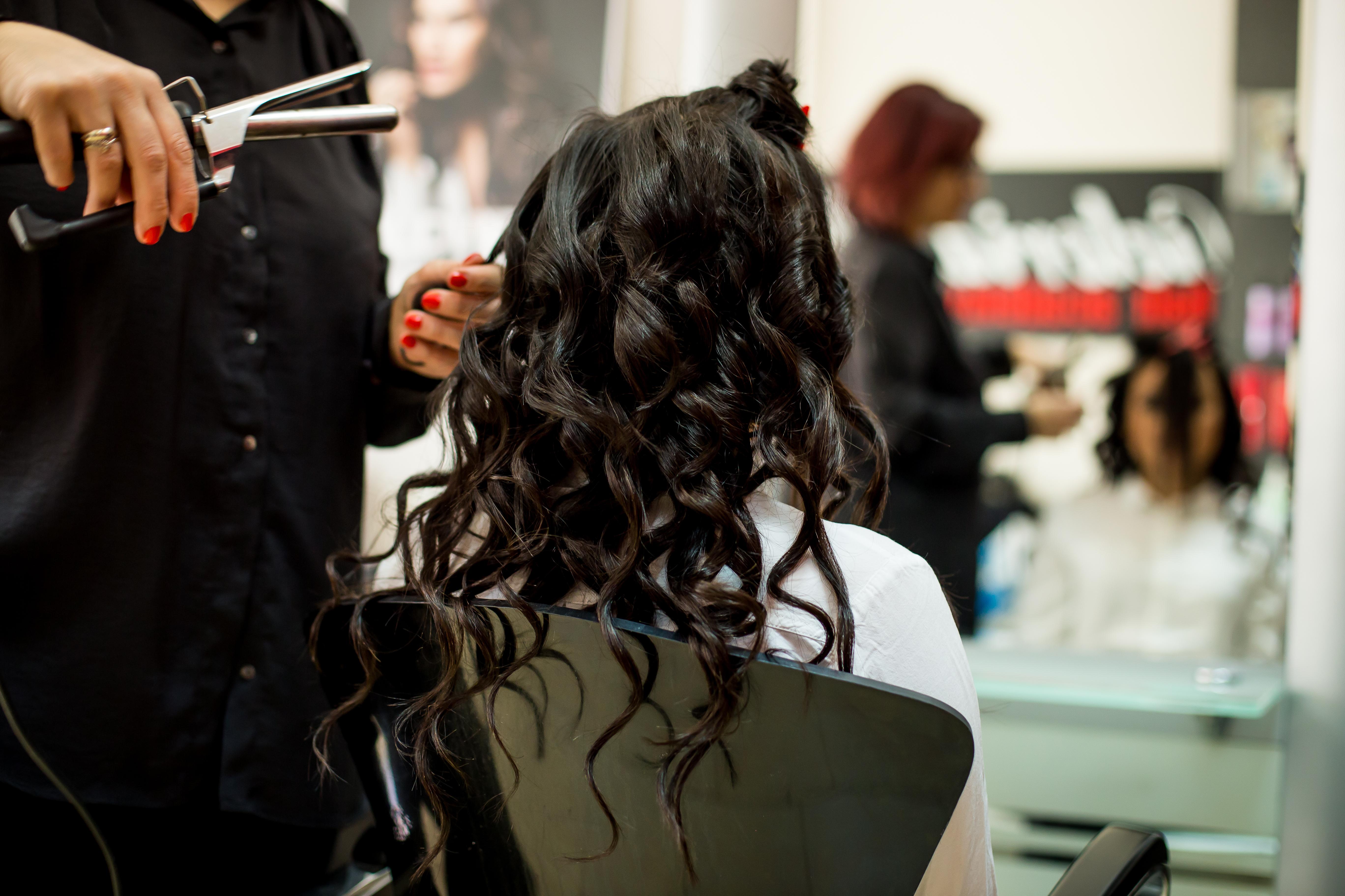 Schwarz oder braune haare