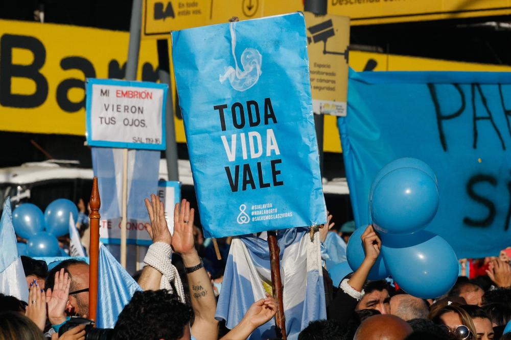 Abtreibungsgegner demonstrieren in Argentinien
