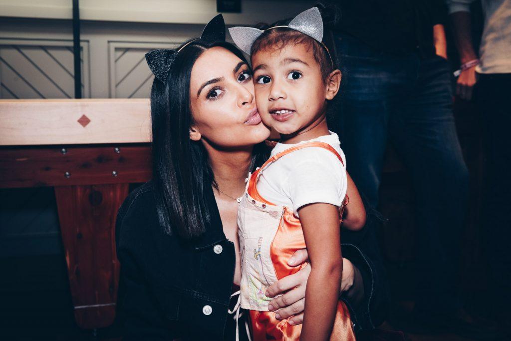 Diese Frage von North West bringt Mama Kim Kardashian ins Schwitzen
