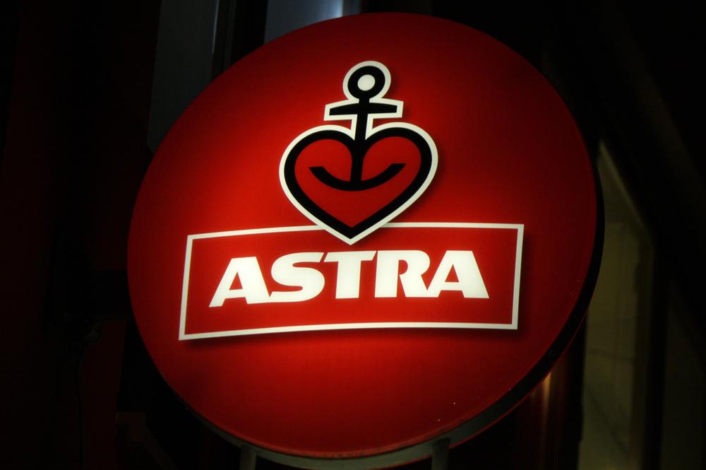 Rassistische Astra-Werbung: Plakat löst Shitstorm aus