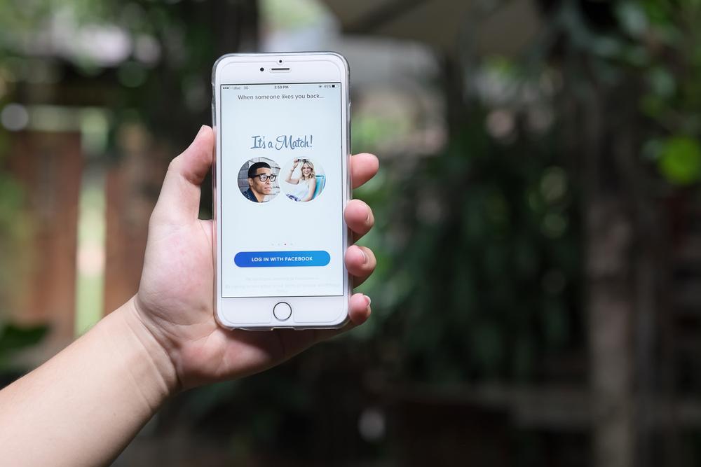 Süchtig nach Tinder: Darum macht uns die Dating-App abhängig