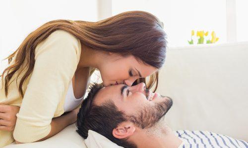 Baby oder Schatzi? Das sagt der Kosename über eure Beziehung aus
