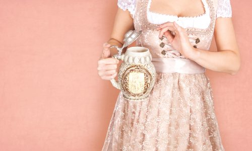 Mit diesen 5 Dingen legst du einen traditionellen aber modernen Auftritt auf der Wiesn hin