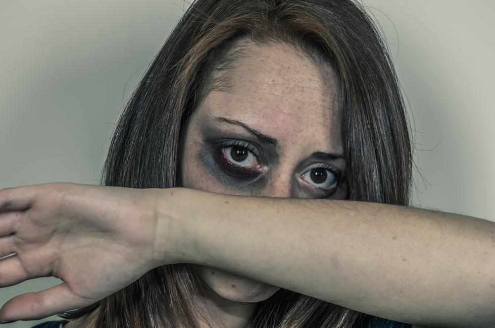 Gewalt gegen Frauen: Alle Zahlen & Fakten auf einen Blick
