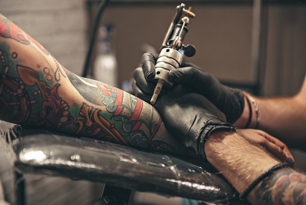 Deutsche Politikerin will spontane Tattoos verbieten lassen