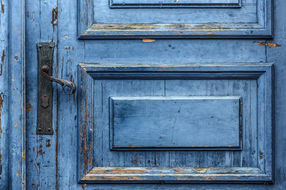 Ist das eine Tür oder ein Strand? Dieses Foto spaltet das Netz