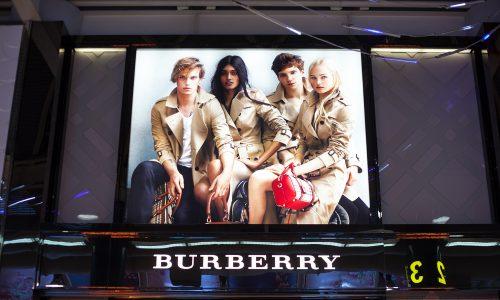 Burberry verzichtet auf Pelz und das Verbrennen unverkaufter Ware