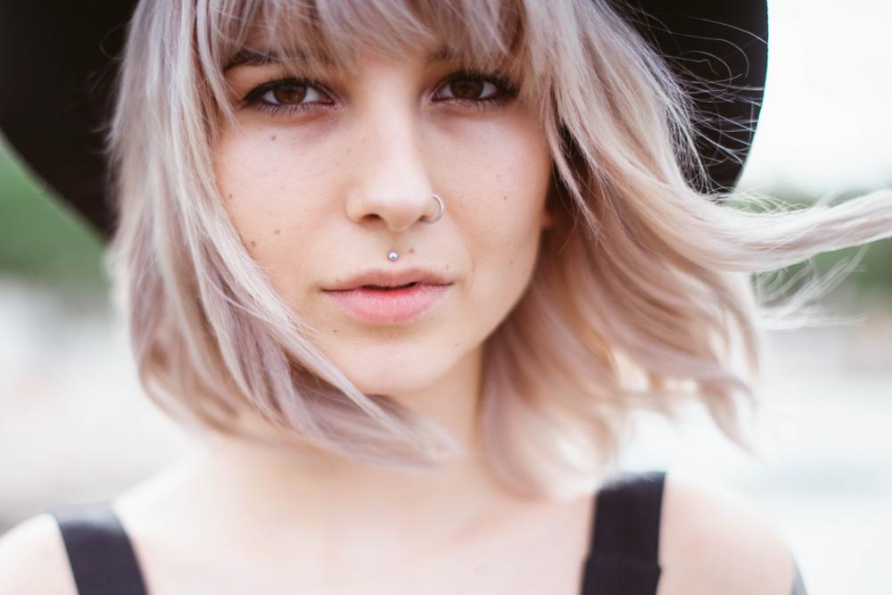 Piercing richtig pflegen: Was nach dem Stechen auf dich zu kommt