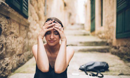 Warum wir freiwillig in unglücklichen Beziehungen bleiben