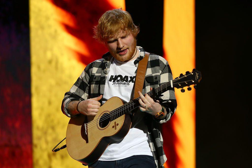 Ed Sheeran zahlt mehr Steuern als Amazon & Starbucks