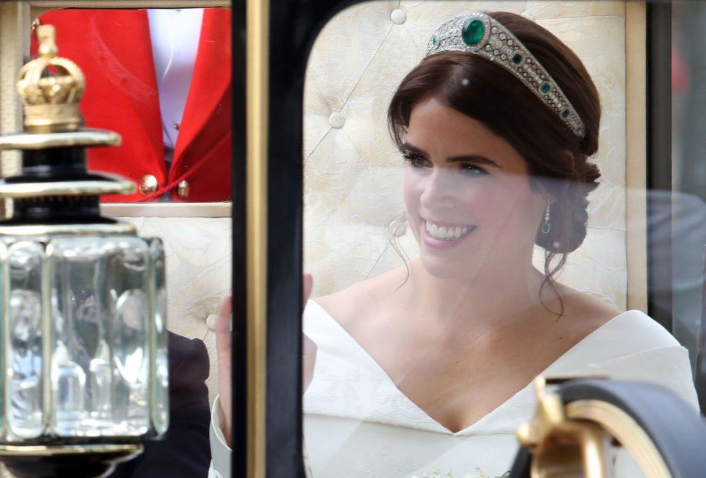 Prinzessin Eugenie Hochzeit: So wunderschön war das Brautkleid von Harrys Cousine