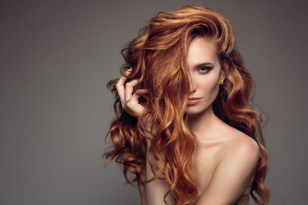Diese Haarfarbe passt am besten zu deinem Sternzeichen