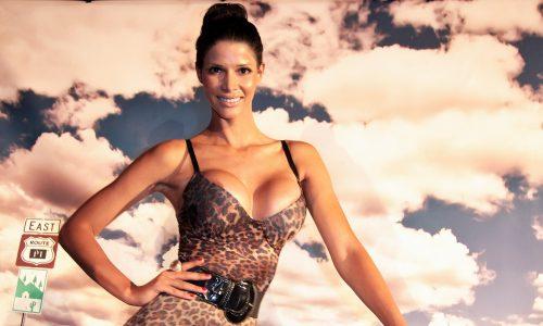Micaela Schäfer sorgt mit Striptease auf Maturaball für Ärger