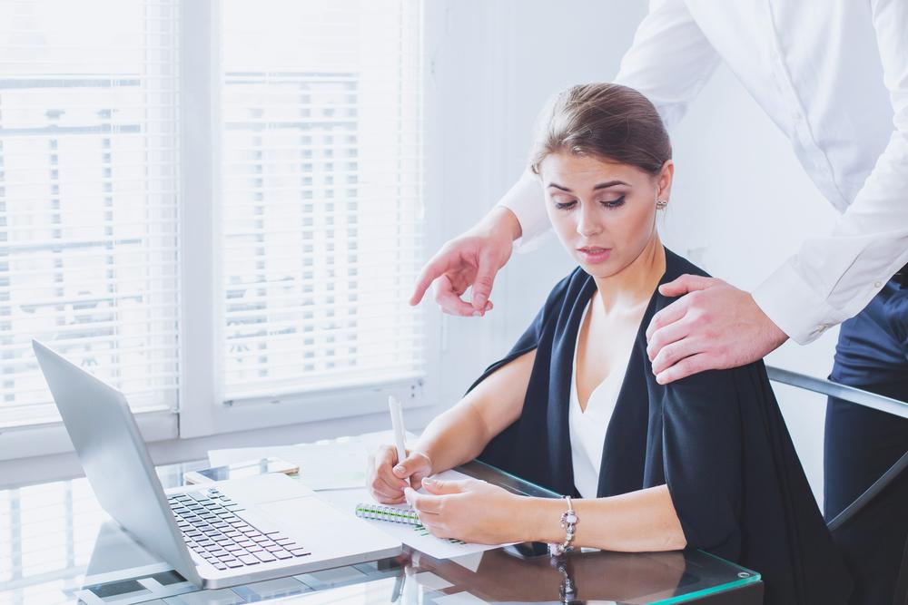 Sexuelle Belästigung am Arbeitsplatz betrifft jede zweite Frau