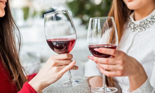 Ein Glas Wein ist genauso gesund wie eine Stunde im Fitnessstudio
