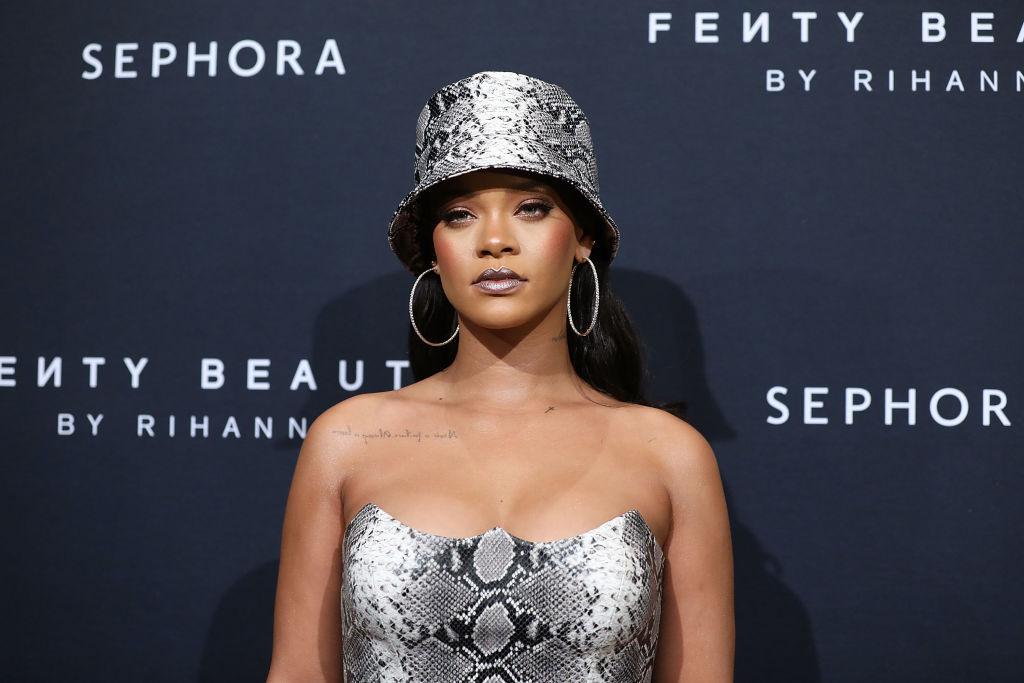 Rihanna-verklagt-ihren-eigenen-Vater-wegen-Betrugs