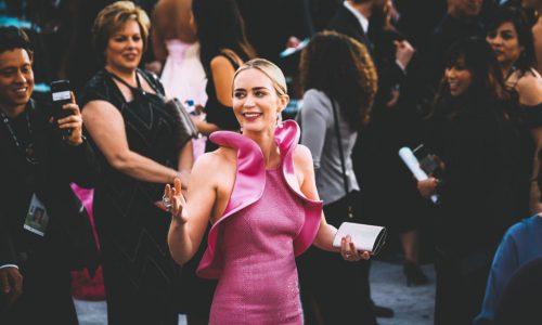 Emily Blunt: Vagina-Kleid bei SAG-Awards sorgt für Aufregung