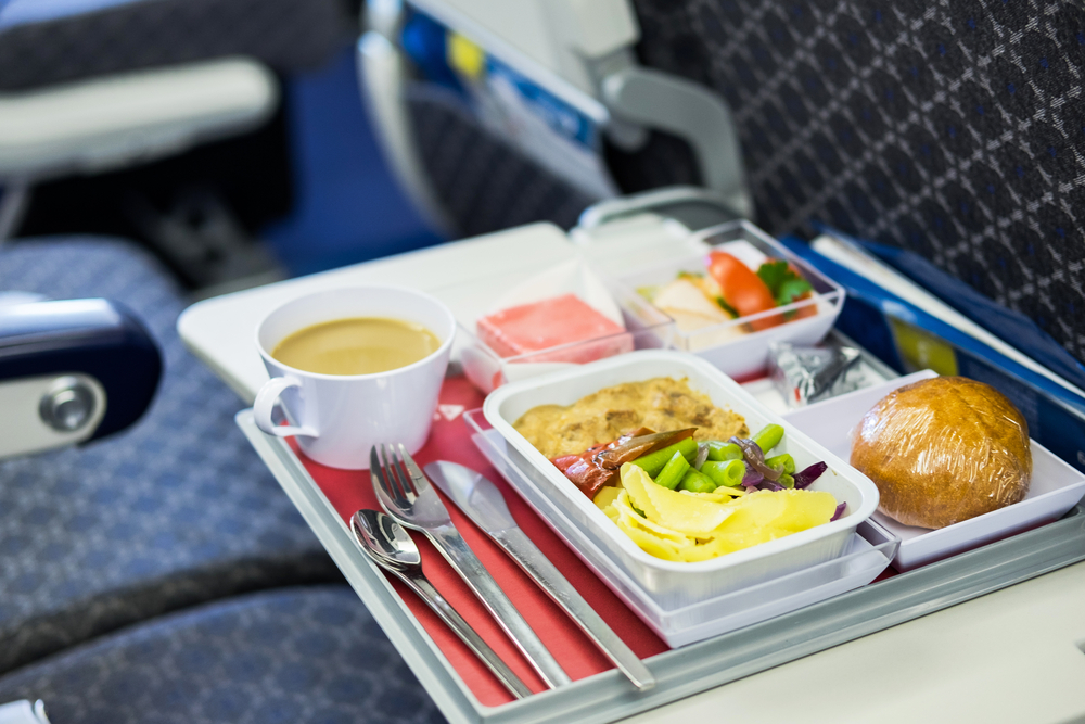 Darum schmeckt das Essen im Flugzeug immer anders
