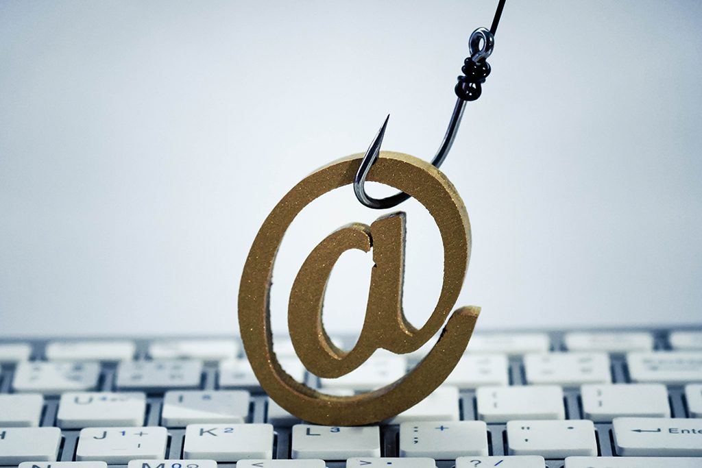 Phishing Mails: So schützt du dich vor gefährlichen Fake-Mails
