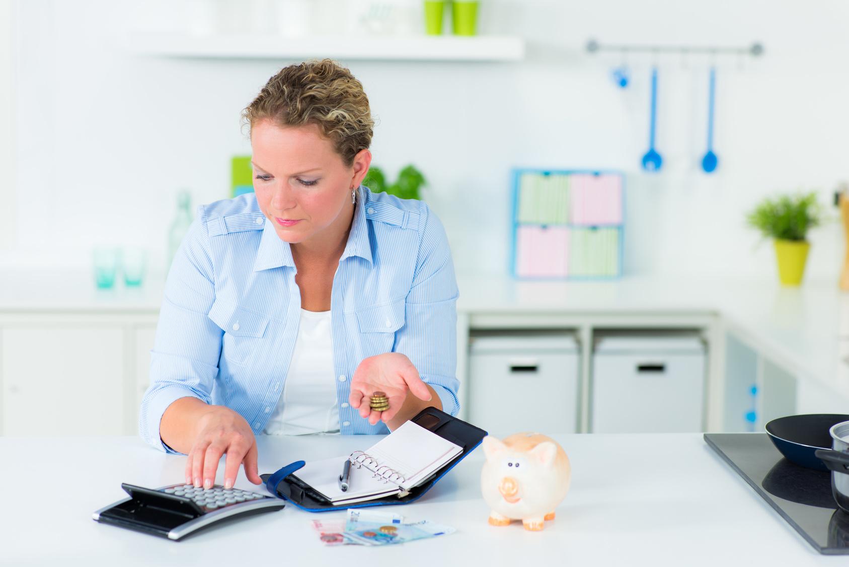 Wie ein Haushaltsbuch bei Geldsorgen helfen kann