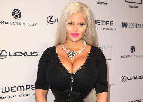 Sophia Vegas ohne ihre Tochter Amanda im Liebesurlaub