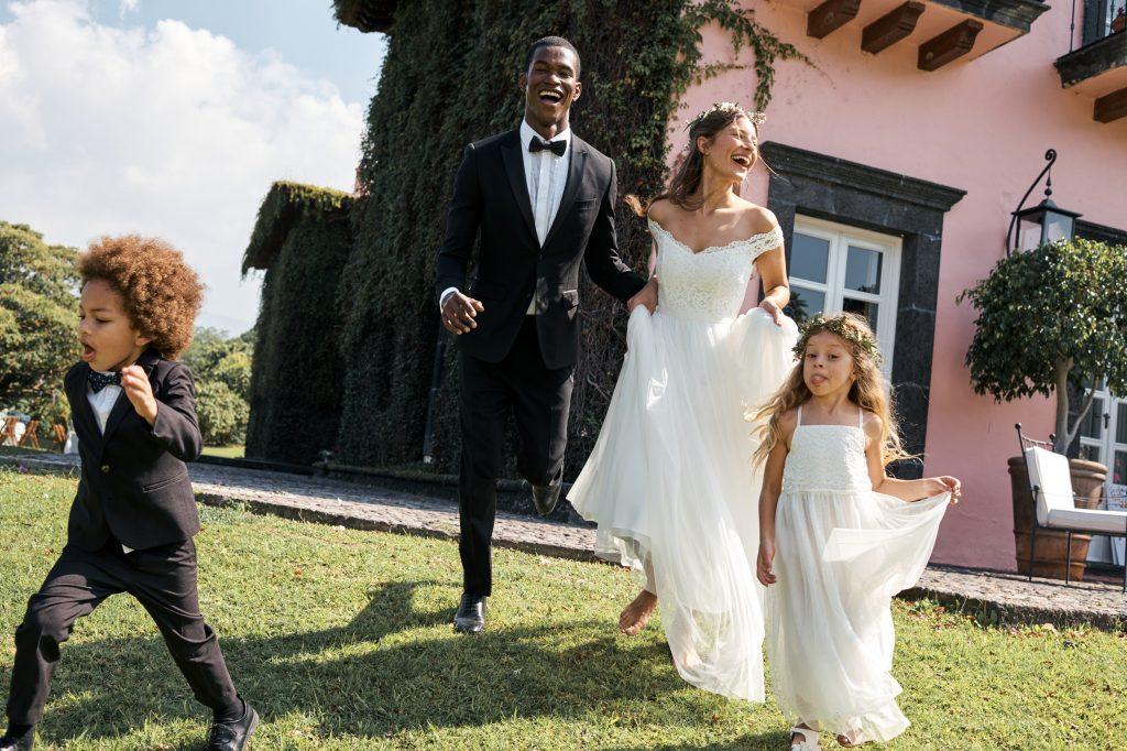 Jetzt kannst du dein Brautkleid bei H&M kaufen