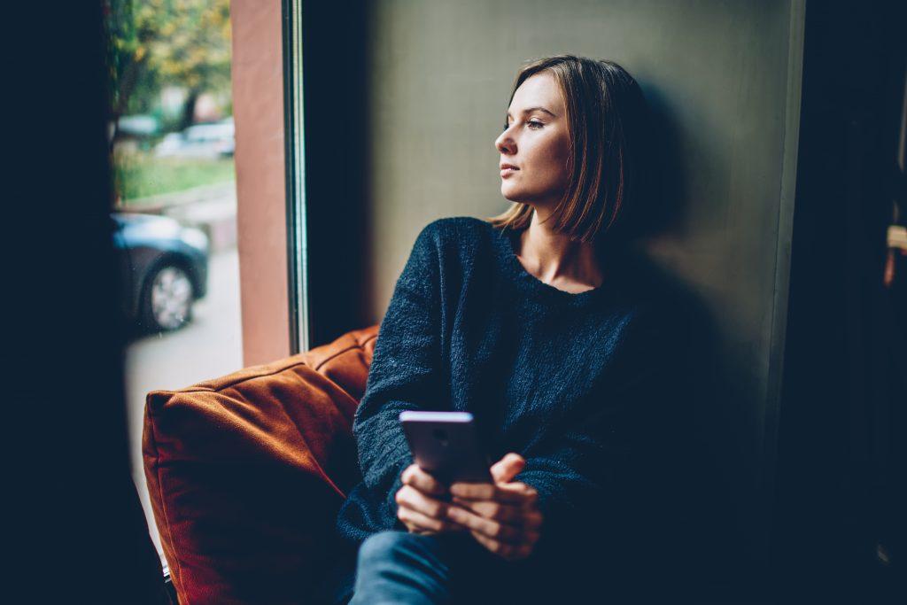 5 Dinge, die du tun kannst, wenn du immer noch an deinen Ex denkst