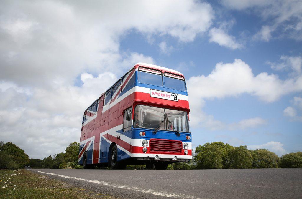 Spice Girls Bus auf Airbnb: Fan inseriert Orginal-Bus aus dem Film