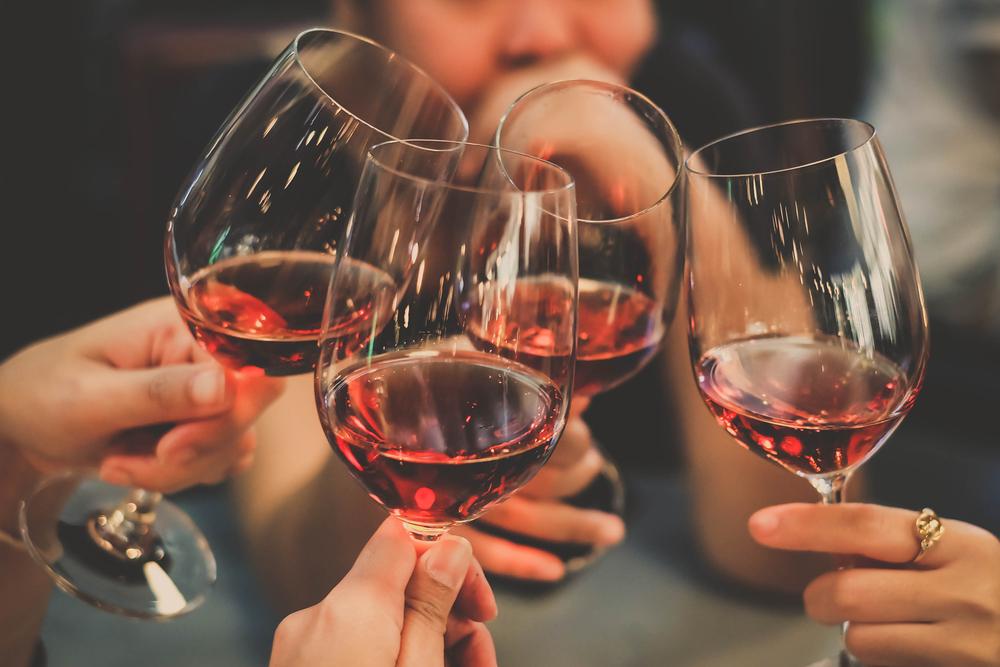 Jeder Siebte trinkt zu vielAlkohol