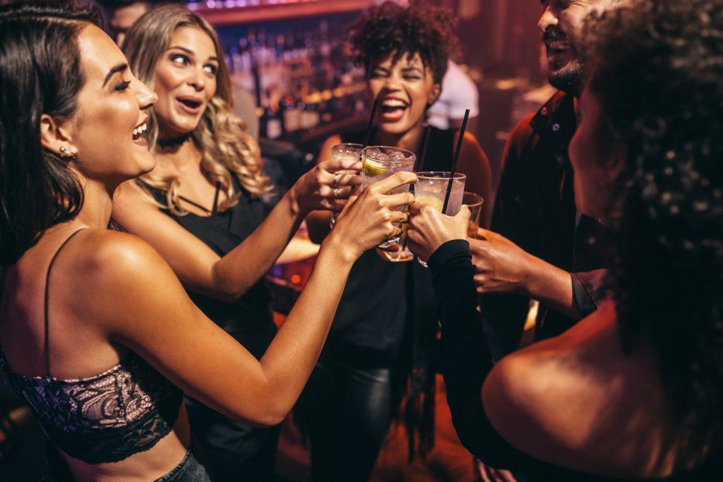 Studie: Trinkende Frauen werden als sexuell verfügbar gesehen