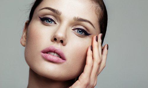 5 Makeup Hacks, die wir von Visagisten abgeschaut haben