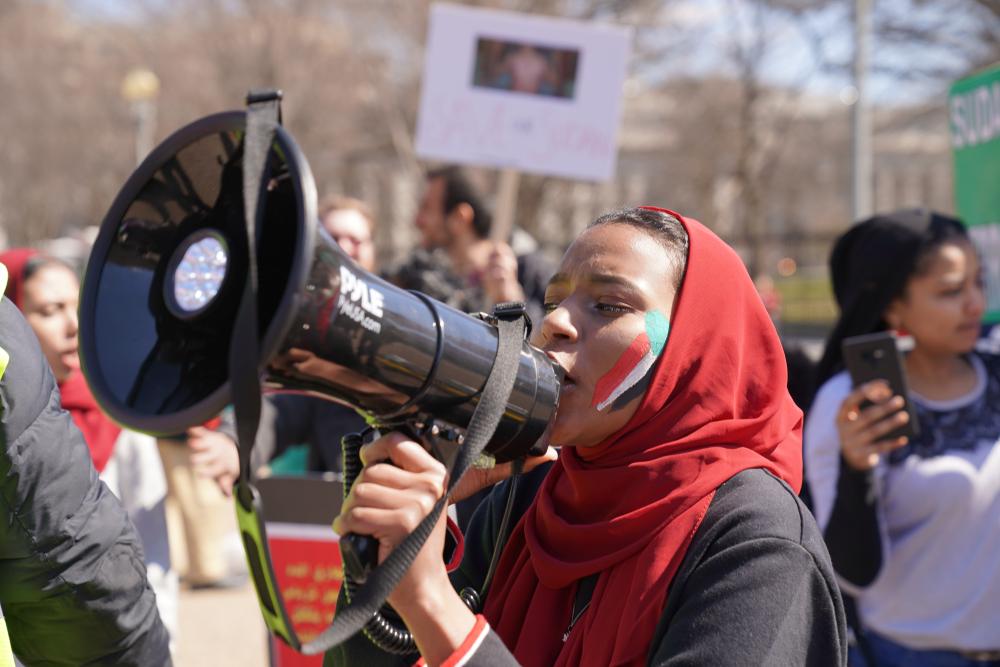#BlueForSudan: User solidarisieren sich mit Protesten im Sudan