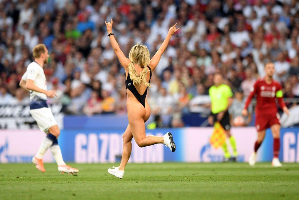 Champions League Flitzerin Kinsey Wolanski: Zwei Millionen neue Instagram-Fans