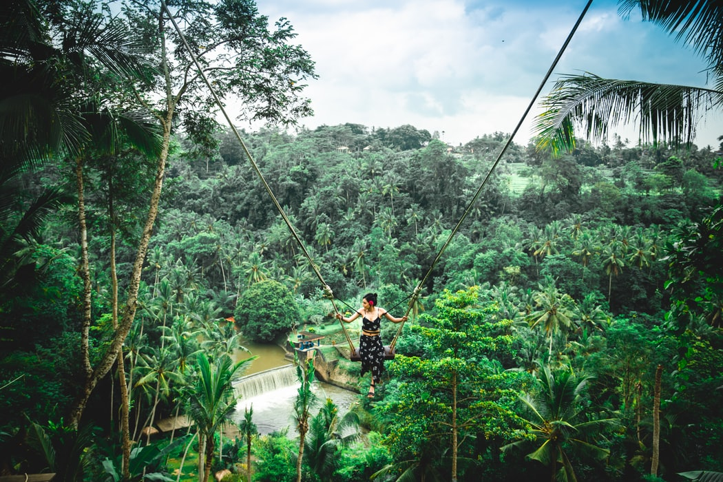 Schaukel in Bali - Christopher Alvarenga/Unsplash